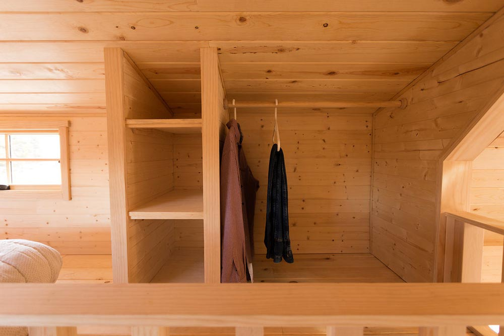 Closet - Porchlight by Hideaway Tiny Homes