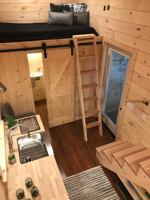 Guest Loft - Sweet Dream by Incredible Tiny Homes
