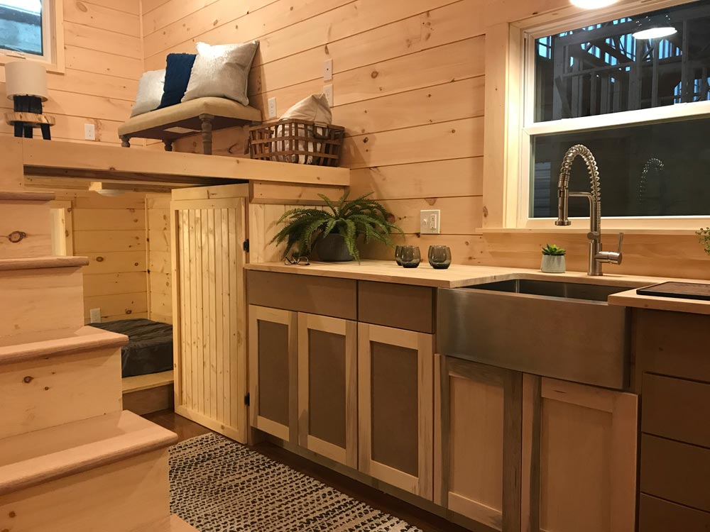 Kitchen Cabinets - Sweet Dream by Incredible Tiny Homes
