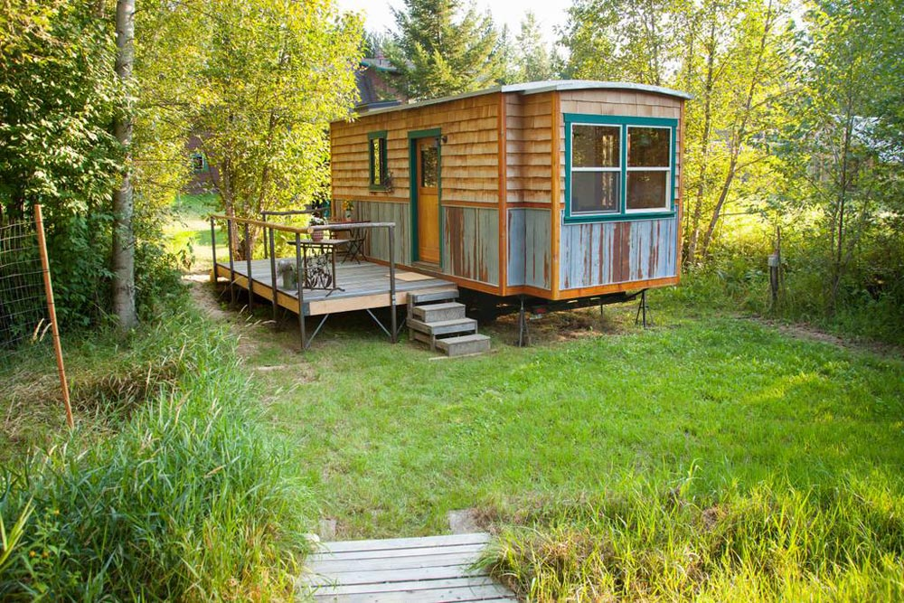 Patio - Garden Caravan Tiny House