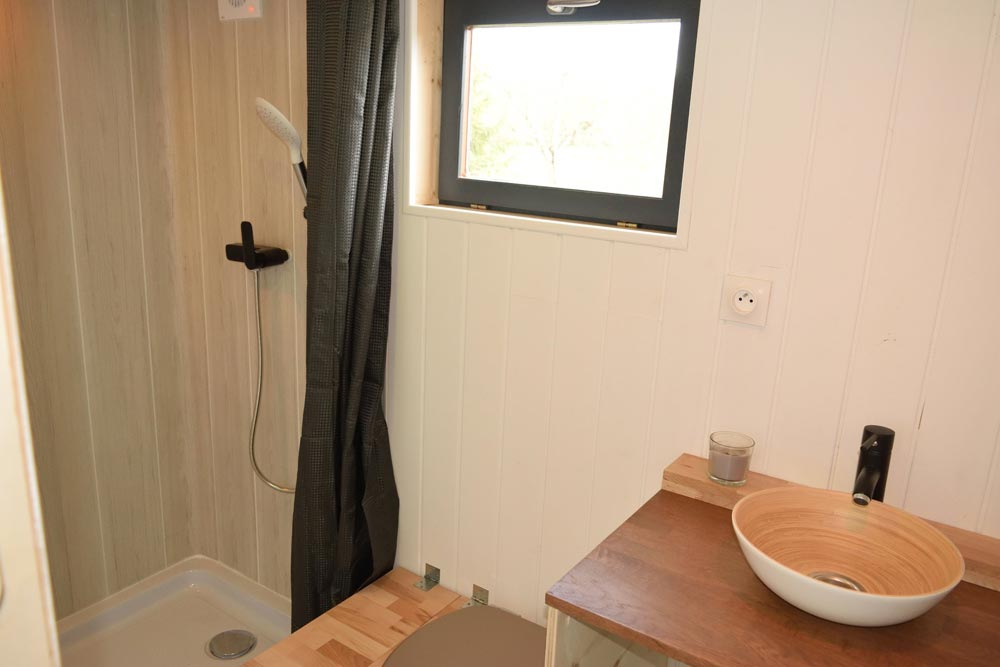 Bathroom - Tiny House Lumen