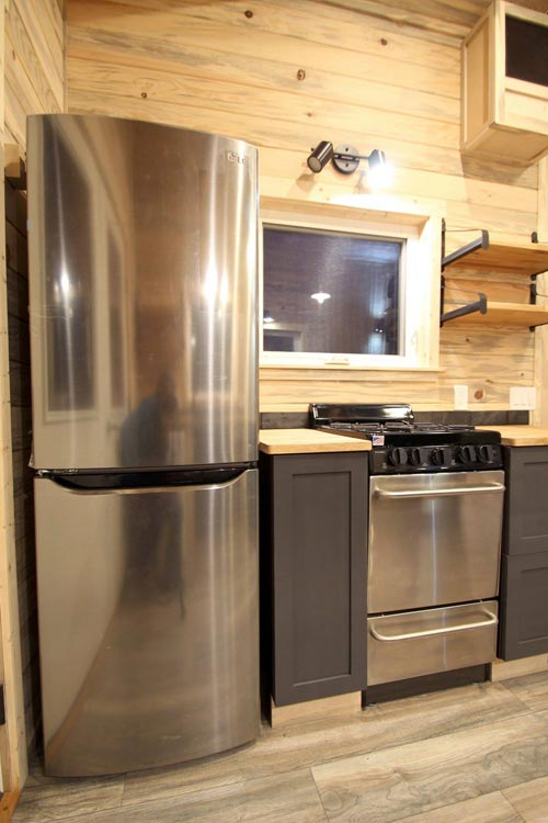 Full Size Appliances - Pam by SimBLISSity Tiny Homes