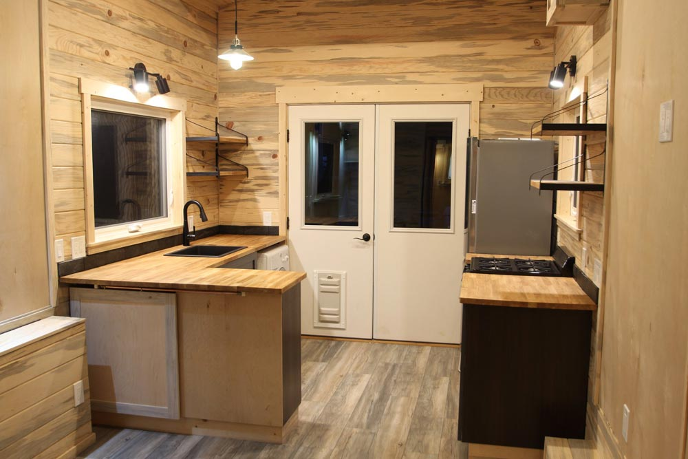 Large Kitchen - Pam by SimBLISSity Tiny Homes
