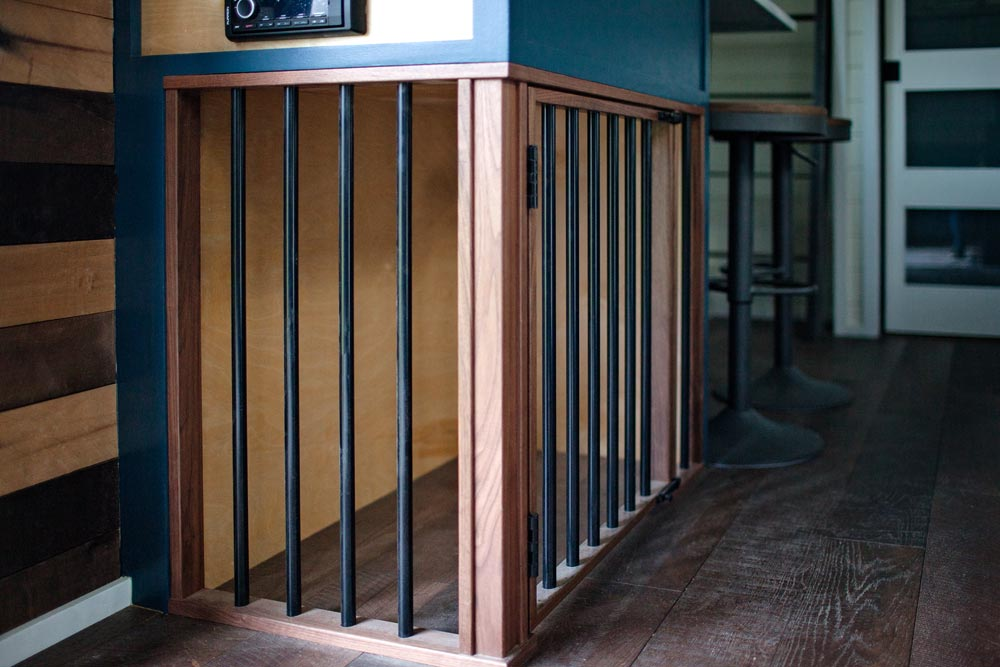Dog Kennel - Breezeway by Tiny Heirloom