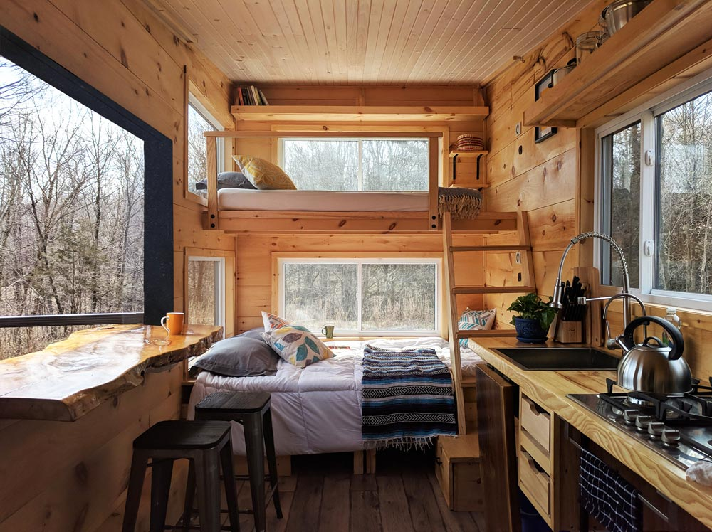 Main Floor Bed & Bunk - Penner by Cabinscape