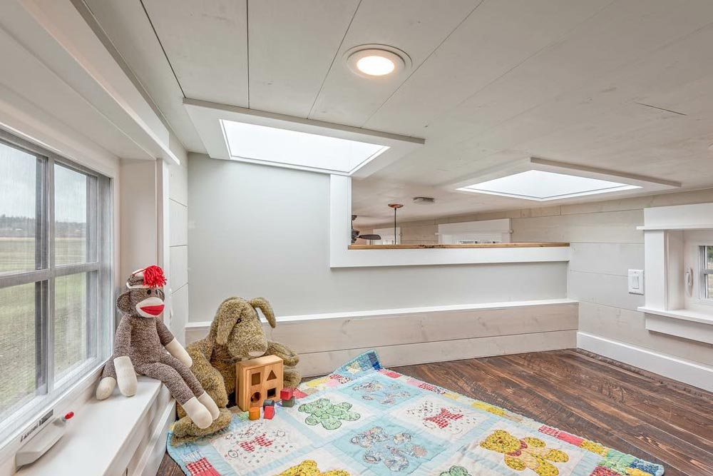 Kids' Bedroom - West Coast by Summit Tiny Homes