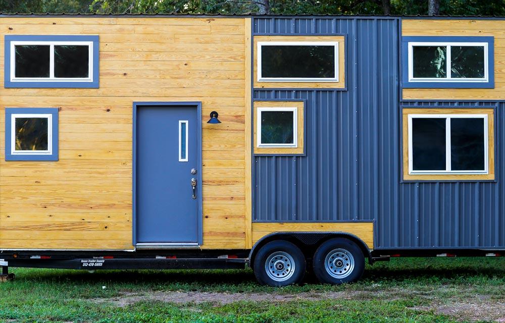 Exterior View - Chuy by ATX Tiny Casas