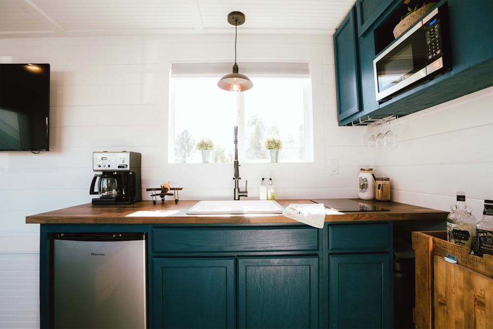 Kitchen - City by Alternative Living Spaces