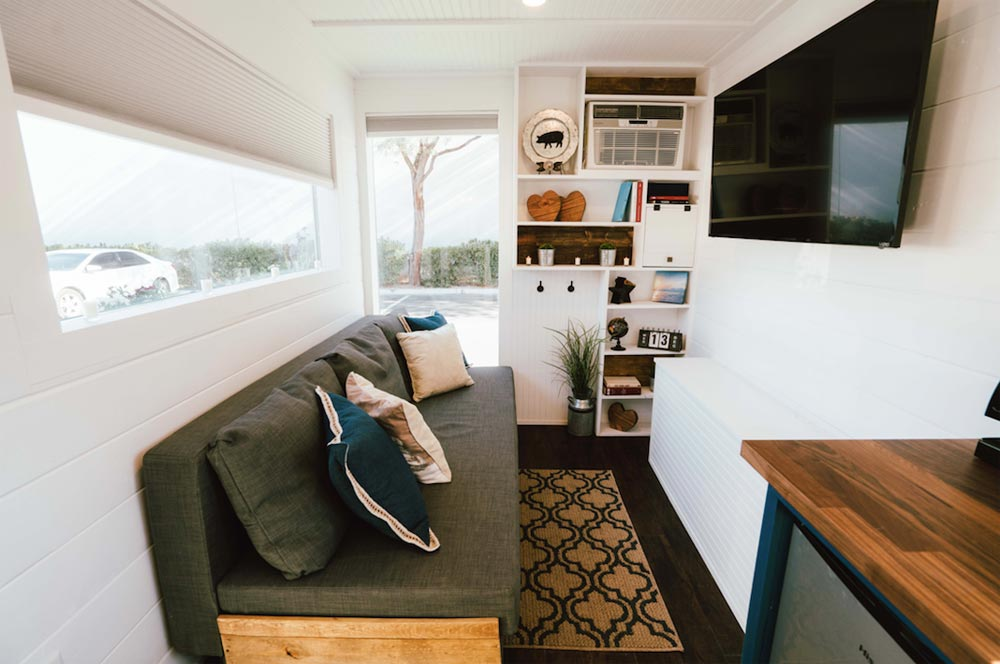 Living Room - City by Alternative Living Spaces