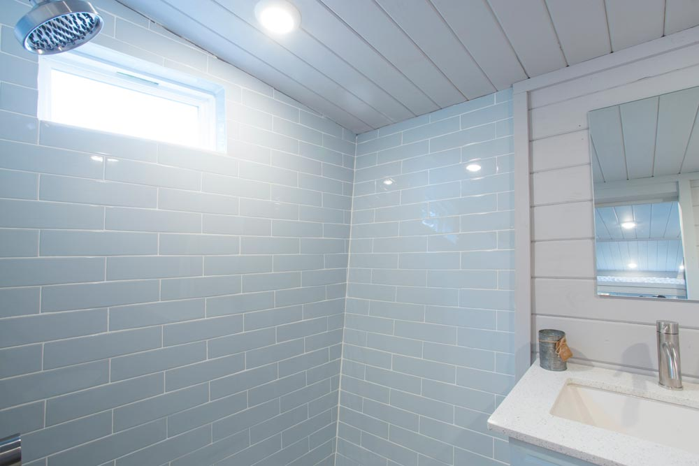 Tile Shower - Lady Bird by ATX Tiny Casas
