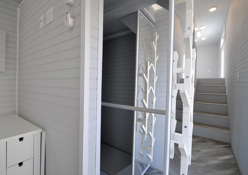 Closet - Olivia by Tiny House Building Company