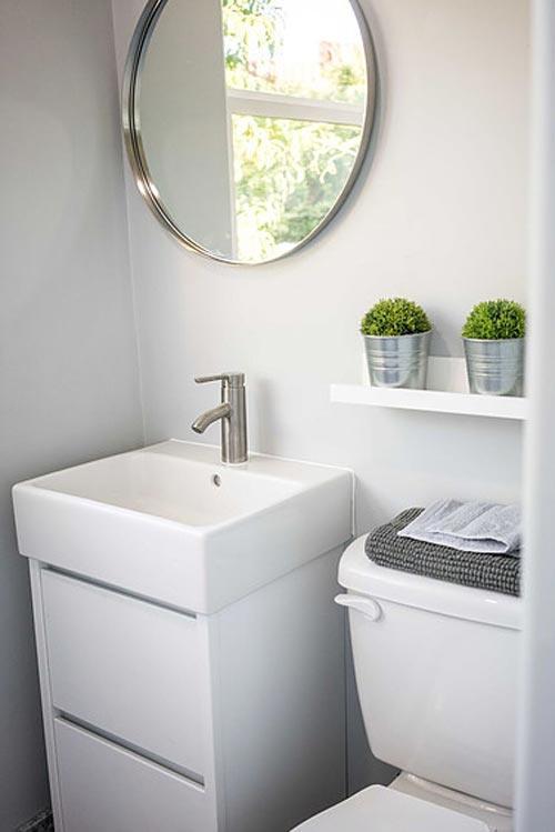 Bathroom - SacTown by Alternative Living Spaces