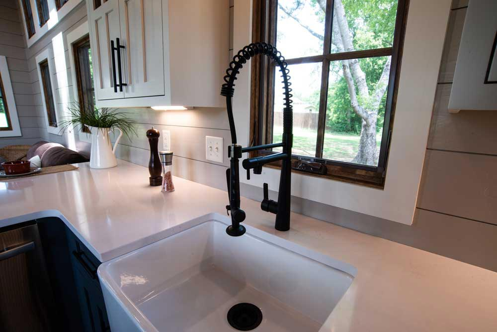 Farmhouse Sink - Denali XL by Timbercraft Tiny Homes