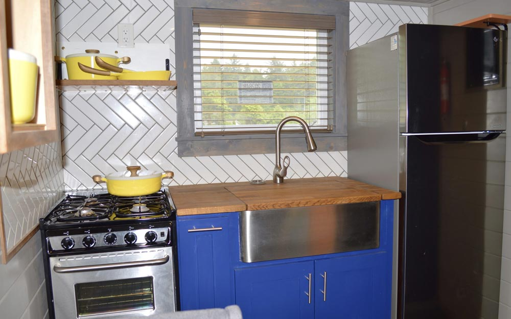 Kitchen - Osprey at Tiny Tranquility