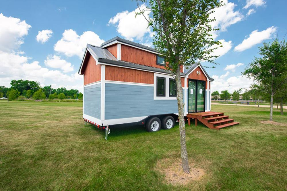 Exterior View - RE/MAX Tiny Home for Tiny Tots