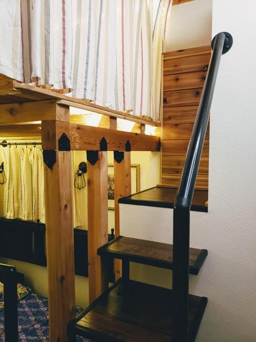Loft Platform - Emerald Lodge by Pocket Mansions