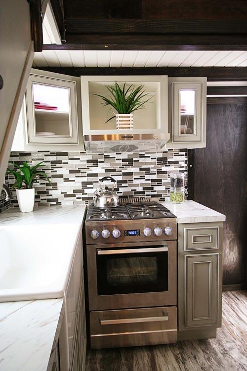 Full Size Appliances - Family-Friendly Carpathian by Tiny Idahomes