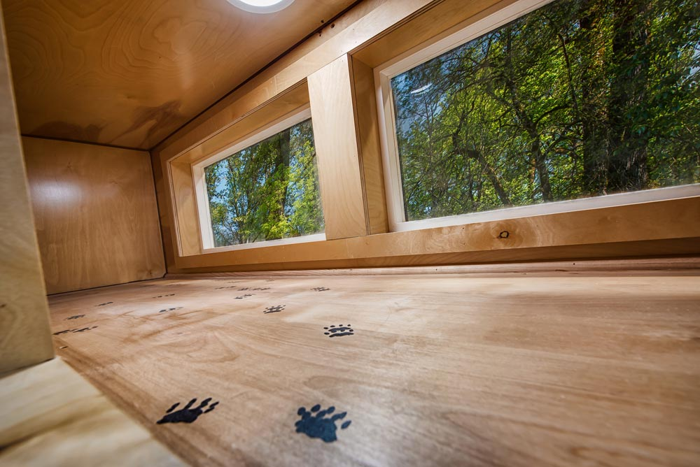 Catio - Grizzly by Backcountry Tiny Homes