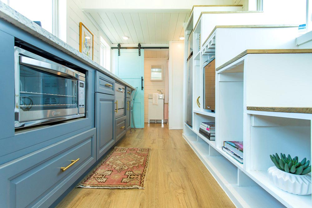Kitchen & Storage Stairs - Kerbey by ATX Tiny Casas