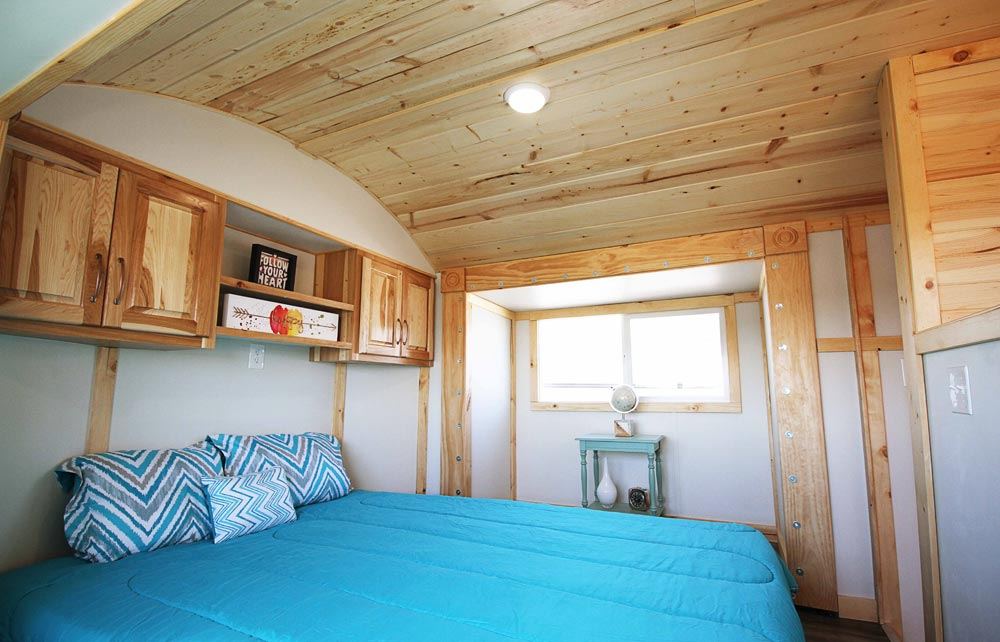 Bedroom Slide-Outs - Mountain Top Retreat by Tiny Idahomes