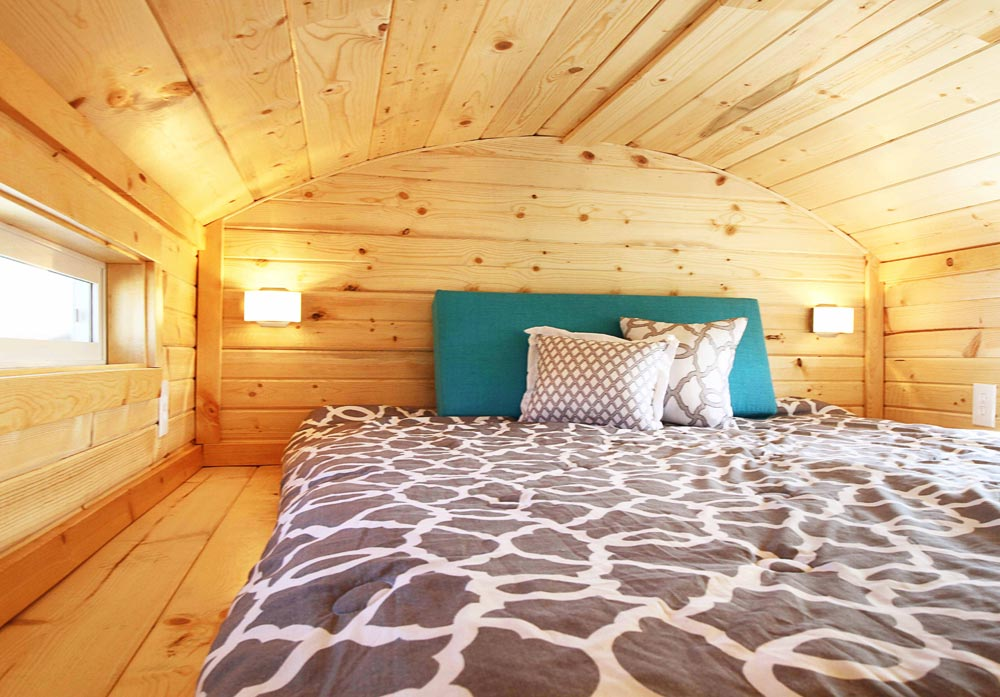 Guest Bedroom - Mountain Top Retreat by Tiny Idahomes