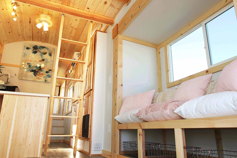 Built-In Bench - Mountain Top Retreat by Tiny Idahomes