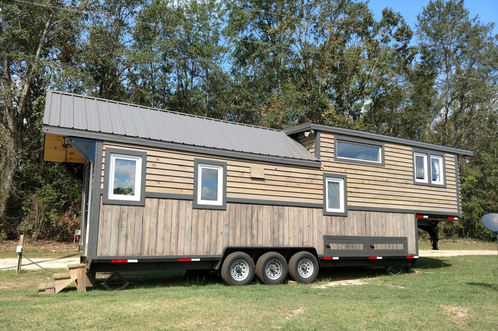 Luxury 40 by Hummingbird Tiny Housing