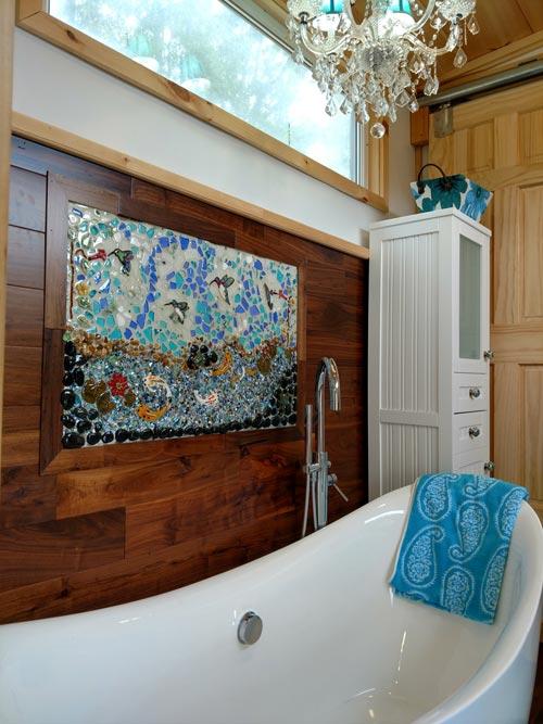 Tub & Mural - Luxury 40 by Hummingbird Tiny Housing