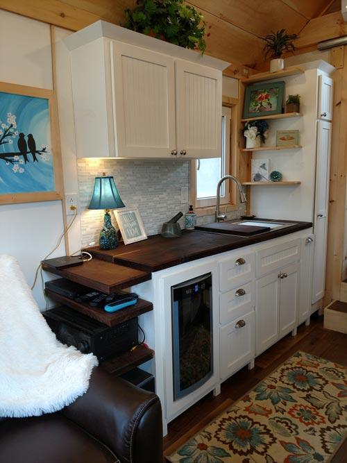 Black Walnut Counters - Luxury 40 by Hummingbird Tiny Housing