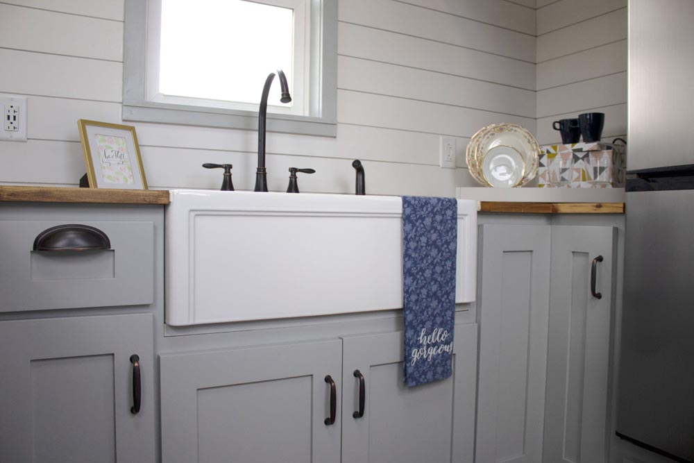 Farmhouse Sink - Maverick by Maverick Tiny Homes