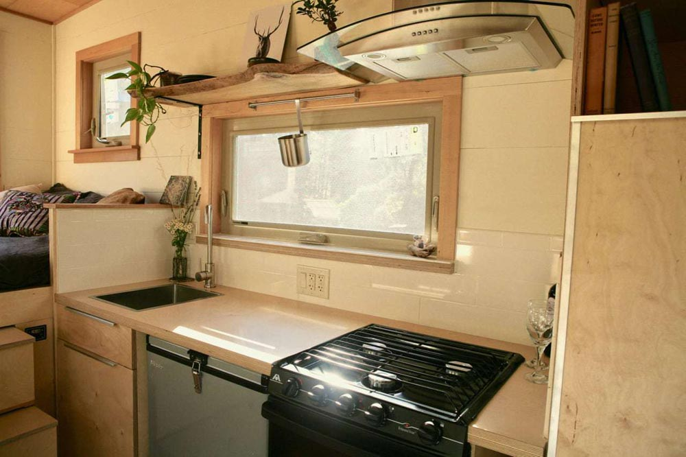 Gas Cooktop/Stove - McKenzie by Wood Iron Tiny Homes