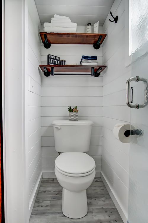 Flush Toilet - Rodanthe by Modern Tiny Living