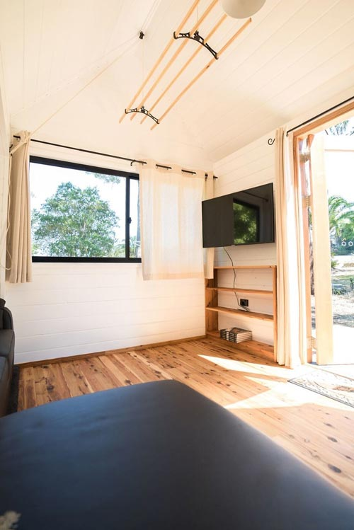 Living Room - Sojourner by Häuslein Tiny House Co