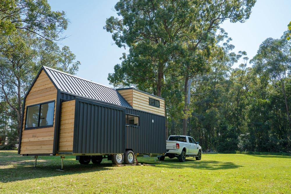 Slide Out - Sojourner by Häuslein Tiny House Co