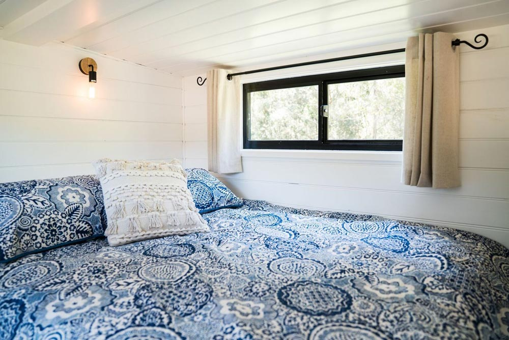 Queen Bed - Sojourner by Häuslein Tiny House Co