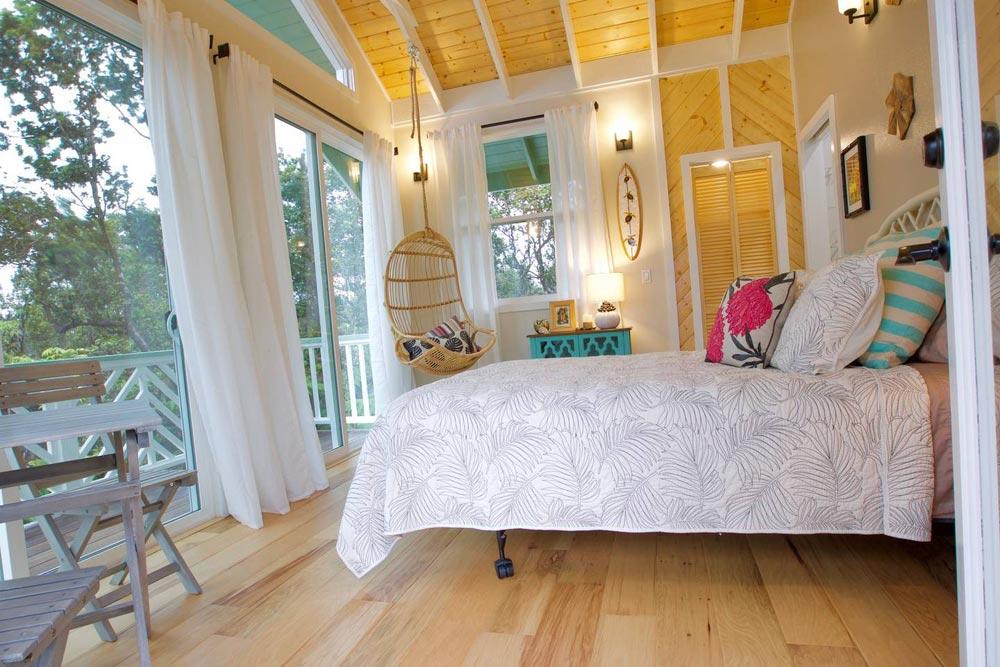 Sliding Glass Doors - Hawaiian Rainforest Treehouse