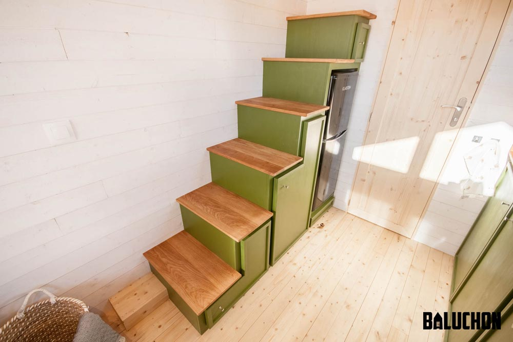 Storage Stairs - Epona by Baluchon