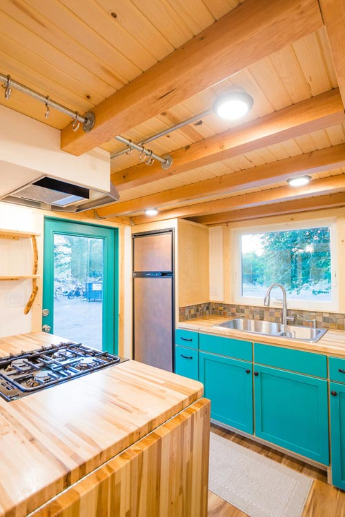 Box Beam Ceiling - Laura's Tiny House by MitchCraft Tiny Homes