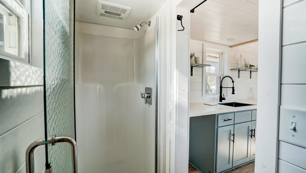 Shower Stall - Ocracoke by Modern Tiny Living
