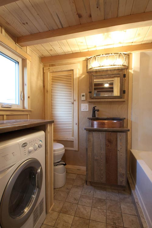 Bathroom - Santa Fe by SimBLISSity Tiny Homes