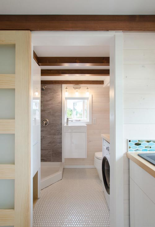 Bathroom - Stellar Jay by Rewild Homes