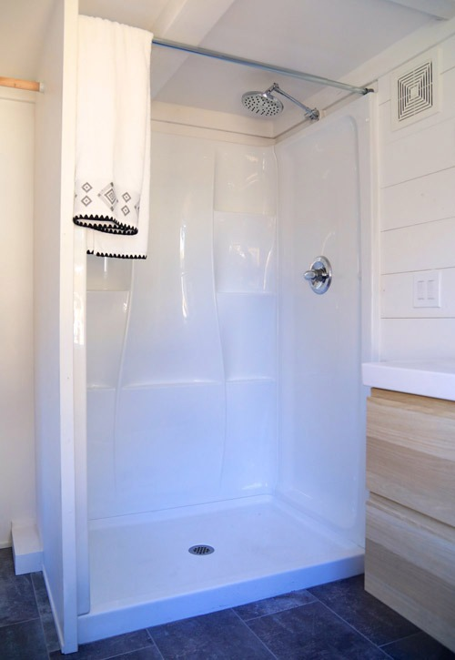 Fiberglass Shower - Cadence by Handcrafted Movement