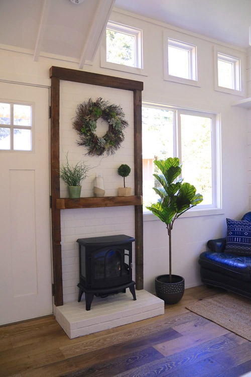 Fireplace w/ Mantel - Cadence by Handcrafted Movement