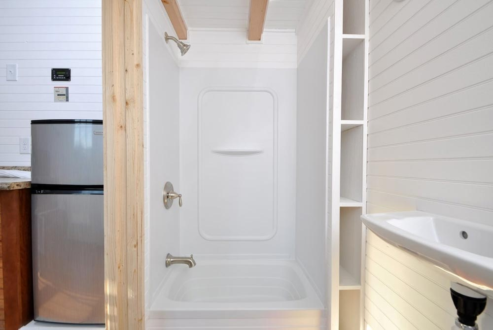 Tub/Shower Combo - Croft by Tiny House Building Company
