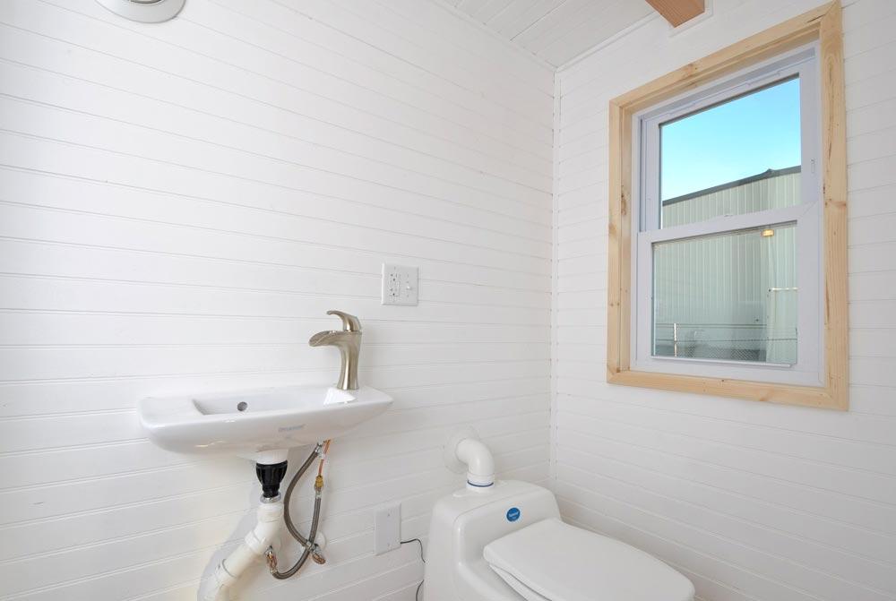 Bathroom - Croft by Tiny House Building Company