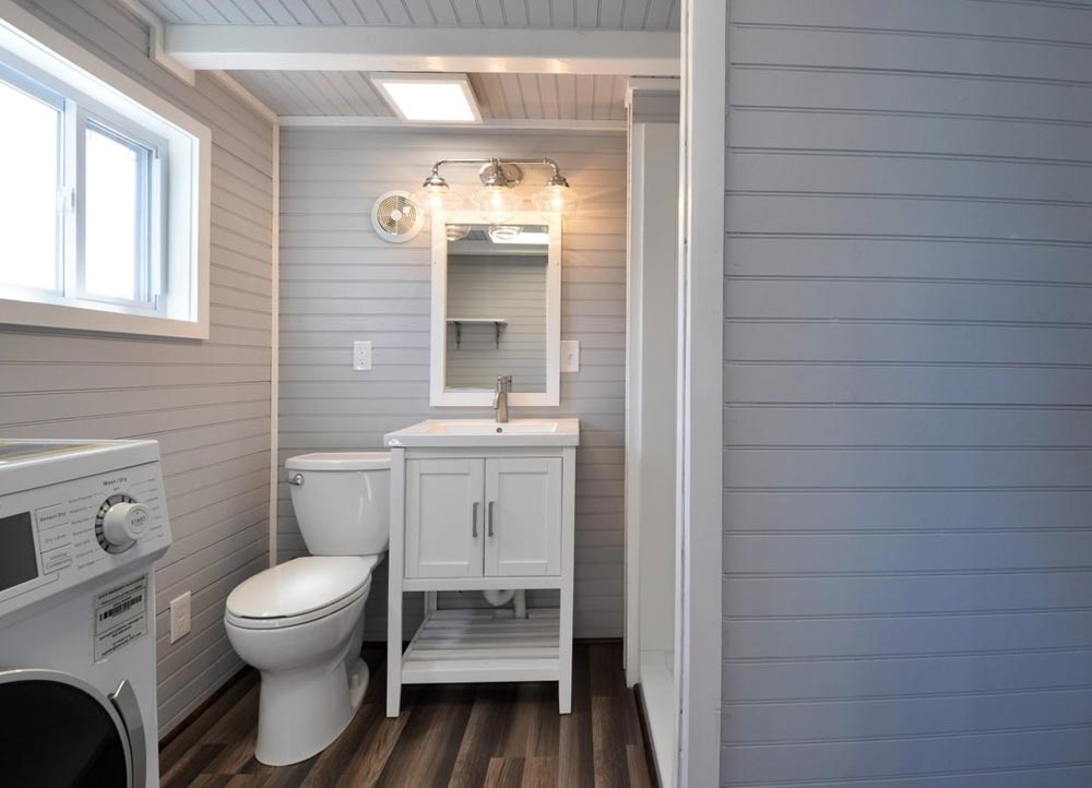 Bathroom - Getaway by Tiny House Building Company
