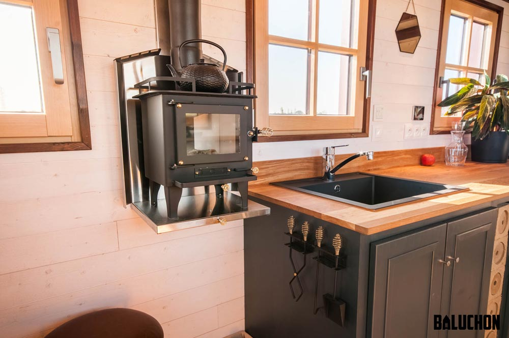 Wood Burning Stove - Holz Hisla by Baluchon