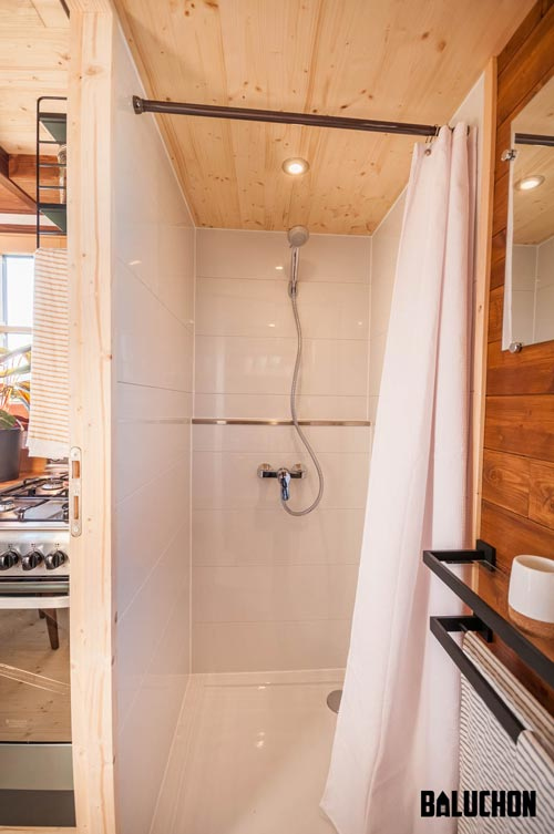 Shower - Holz Hisla by Baluchon