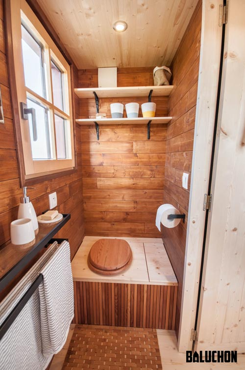 Composting Toilet - Holz Hisla by Baluchon