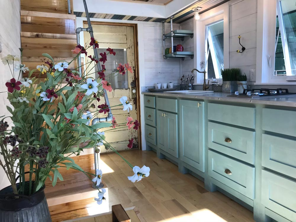 Antique Finishes - Homestead by Rafter B Tiny Homes